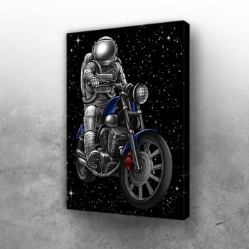Astronaut na motoru